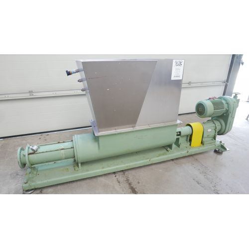 Eccentric screw pump with funnel Capacity: 15-20m3 per hour