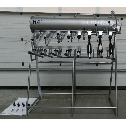 Manual bottle filler for 0,33 - 1 or 2 litre bottles, 8 head filler H4