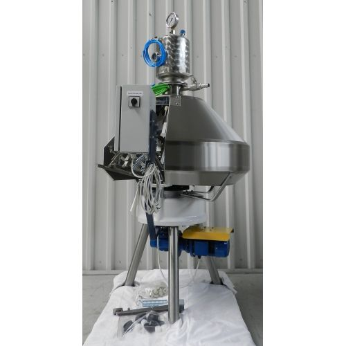 Pressure filler XRB 16, 12 stations-Capacity 0,5l: to 650 bottles/h