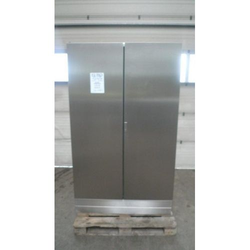 Cabinet in Stainless Steel