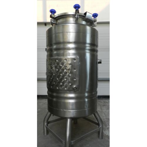 storage tanks/beer tanks 200 litres with colling jacket in AISI 304,