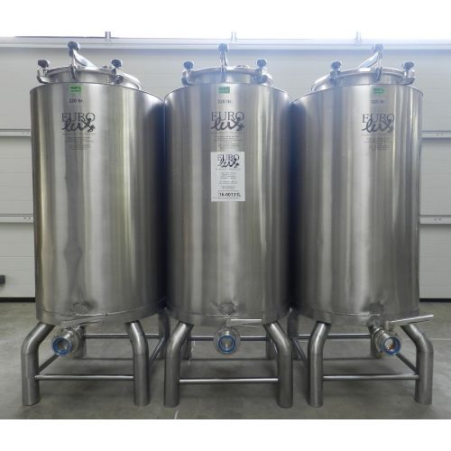 Storage Tanks 320 Litres in AISI 304