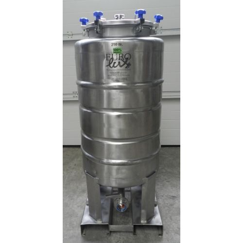 Storage Tanks/Beer Tanks/Pressure Tanks 250 Litres in AISI 304,