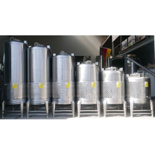 1200 Litres Storage Tank / Beer Tank/ Pressure Tank with cooling jacket in AISI 304